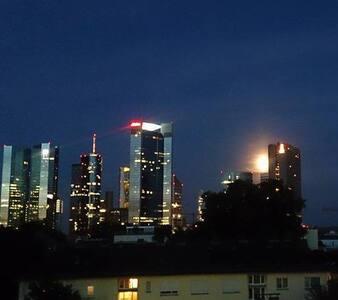 great for uni student per week - Frankfurt - Apartment