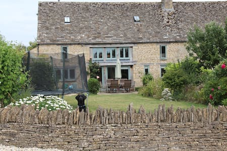 5 Bedroom Cotswold Barn Conversion - Oxfordshire - Casa