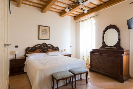 Camera SOLSTIZIO con bagno in B&B - Santa Vittoria In Matenano