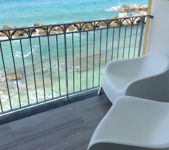 Casa sulla spiaggia moderna luminosa & panoramica - Pizzo