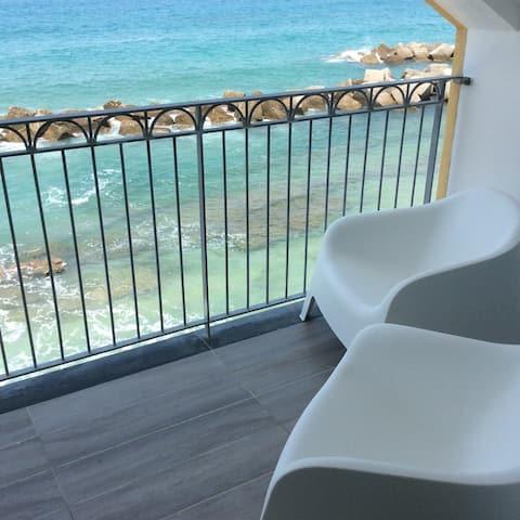 Marina Holiday Home-Casa a 10 metri dalla spiaggia