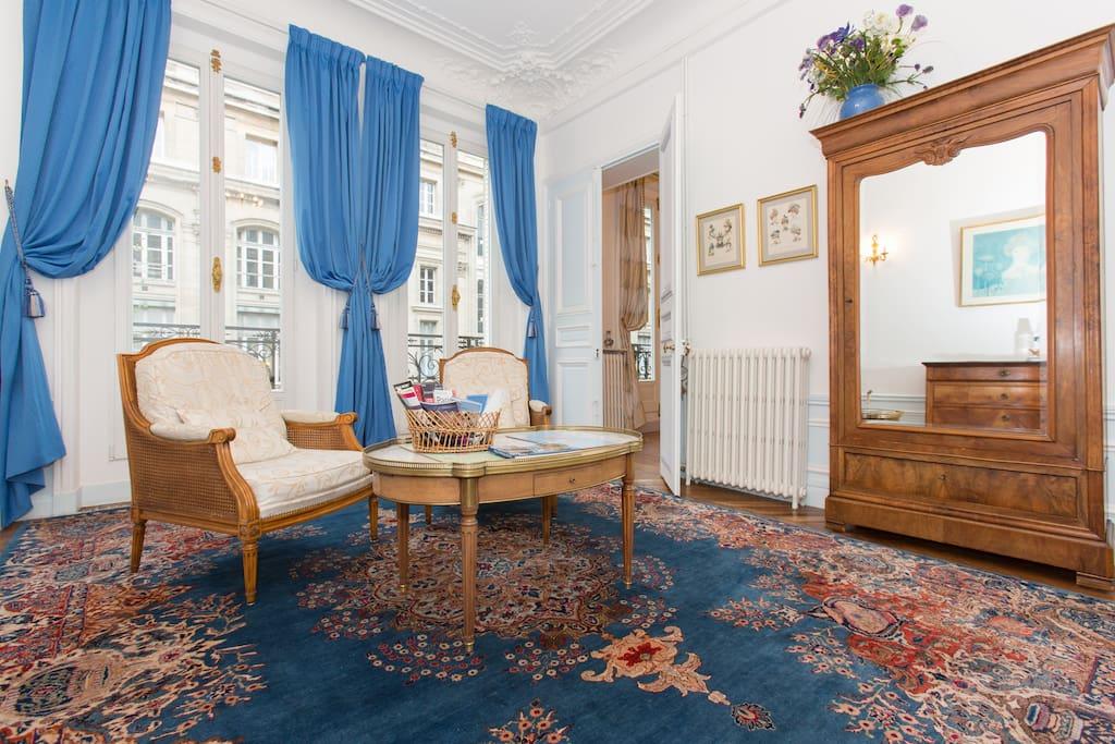 la chambre bleue, coin salon