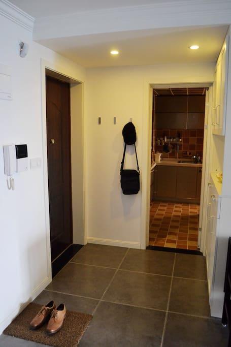 进门是叫玄关吗?