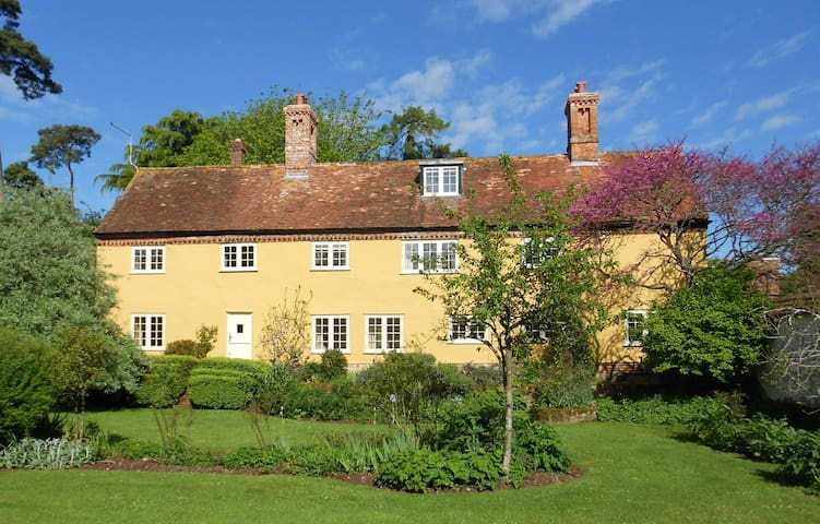 Charming country farmhouse - Wimborne - Huis