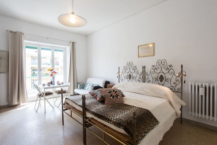 Lella33-Private room with bathroom - Rome - Huis