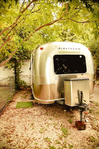 Travis Heights Airstream - Austin - Camper/Roulotte