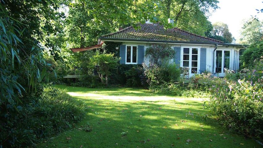 Idylle zwischen Parks - in Elbnähe - Hamburg - House