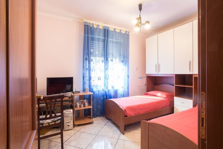 Guest house near Rome (30 minutes) - Torrione Cerquetta - House