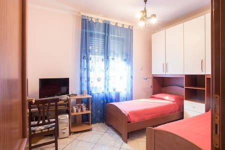 Guest house near Rome (30 minutes) - Torrione Cerquetta - Casa