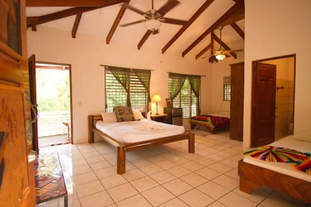 Casa Rebecca is a semi luxury yoga surf project w private apartments and shared rooms. Located within the nature preserve, and Just a short walk to the main beach entrance, Playa Guiones. Pool, security, shared kitchen/common loft space, great wifi.