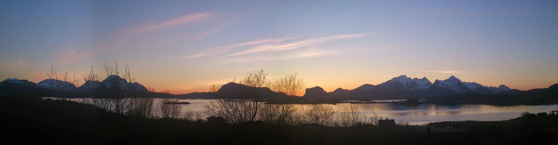Midt i Lofoten med fantastisk natur - Leknes - Rumah