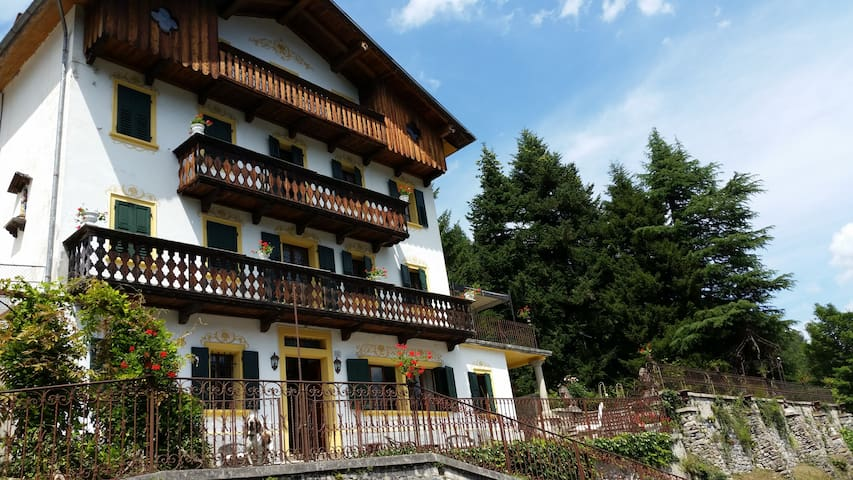 villa for 12 near Cortina d'Ampezzo