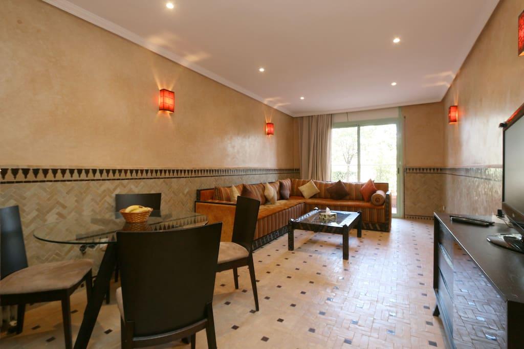 R sidence avec piscine plein centre appartements louer for Appartement piscine marrakech