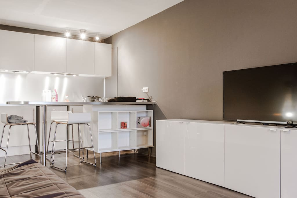 studio 28m balcon plein centre appartements louer toulouse midi pyr n es france. Black Bedroom Furniture Sets. Home Design Ideas
