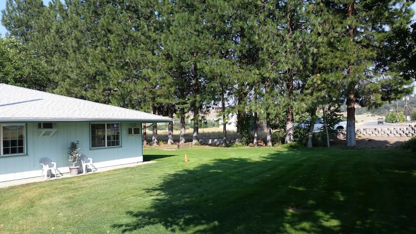 RV SPACES Daily, Weekly or Monthly - Yreka - Husbil/husvagn