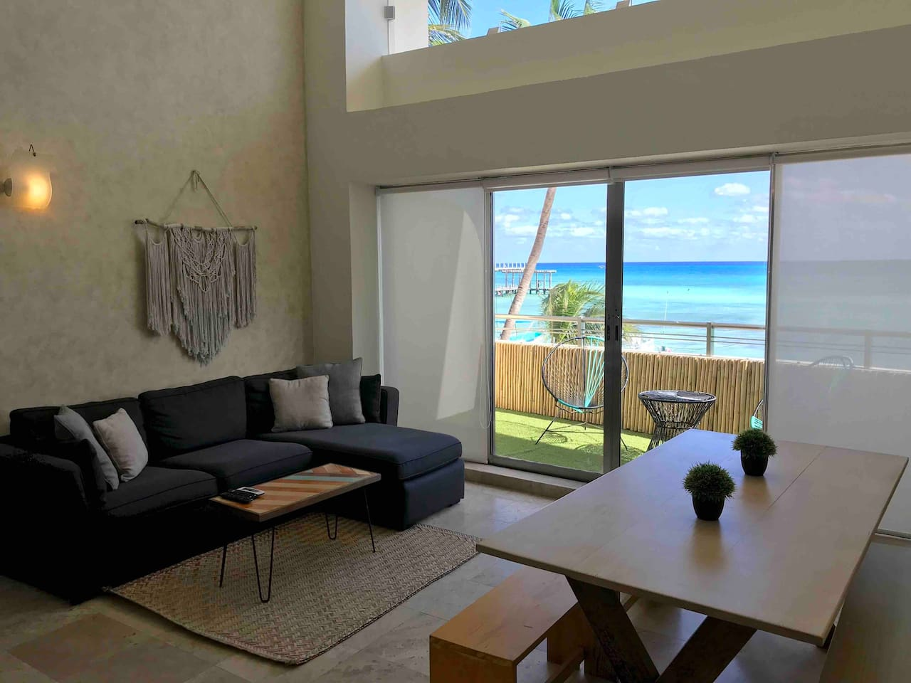 OCEANFRONT LOFT WITH AMAZING VIEW!!