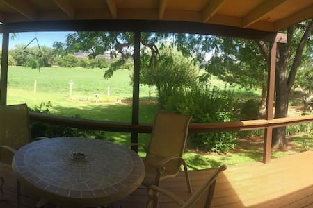 Beautiful Green Acres! - Escalante - Casa