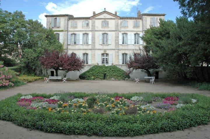 Château de la Condamine - 23 pers. - proche Uzès