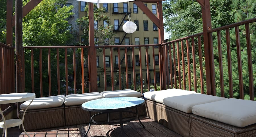 A great terrasse that makes our neighbors jealous !