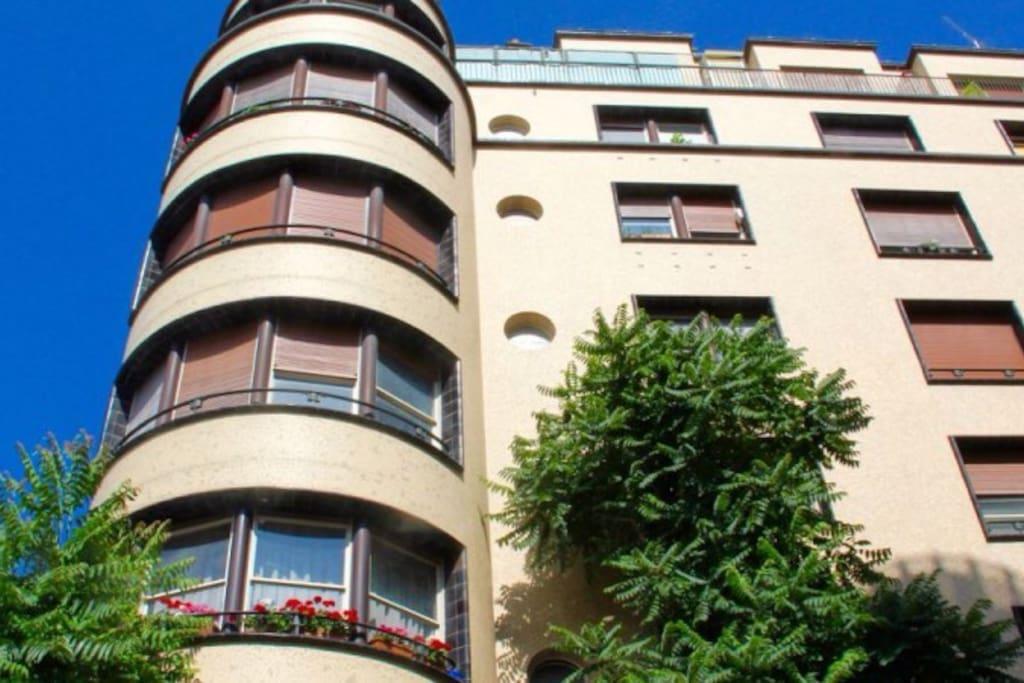 Montparnasse studio imm art deco flats for rent in paris idf france - Airbnb paris montparnasse ...