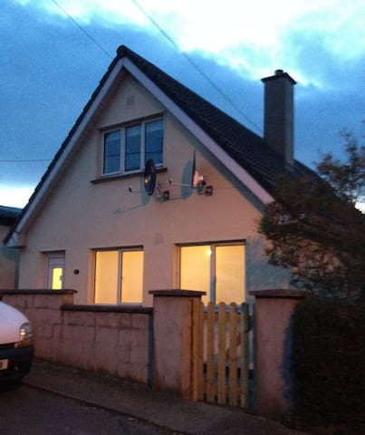 Bright 2BD House 5mins from the Sea - Wicklow - Casa