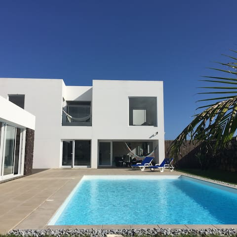 Luxury Modern, Designer Villa with Private Pool - Ponta Delgada - Haus