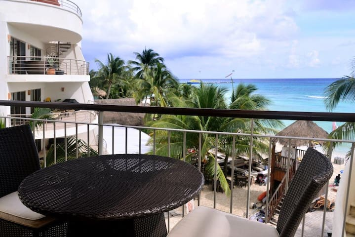 3in1 Beachfront Apt with view; #307