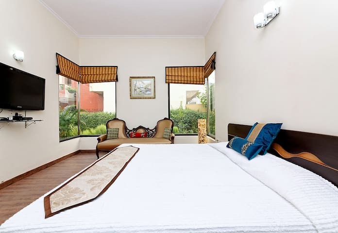 Landscaped Villa - heart of Gurgaon - Gurgaon - Villa