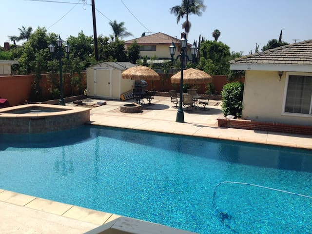 Private Entrance Guest House & Pool - 唐尼(Downey)