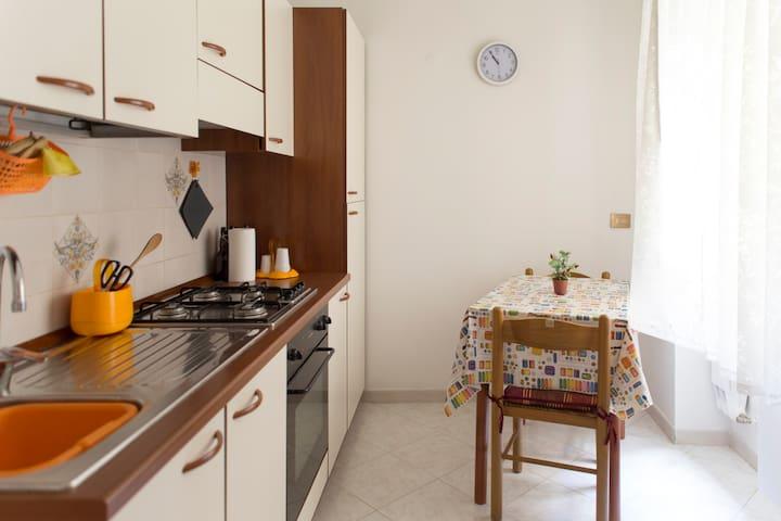 Bright Appartment in Pomezia RM - Pomezia - Apartamento