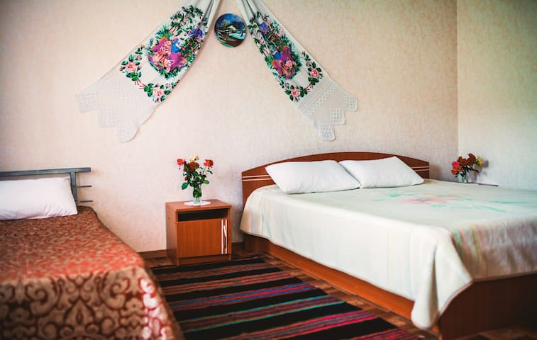 Vila Roz Guest House-Breakfast Incl - Trebujeni - Bed & Breakfast