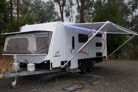 Luxury 5 berth Jayco Caravan - Warrandyte - Camper/RV