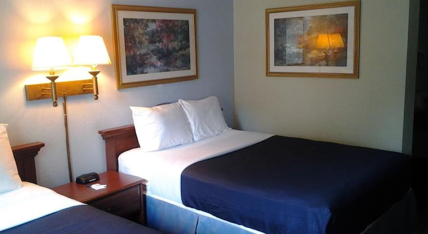 Travelodge Hotel - Lake Park - Bed & Breakfast
