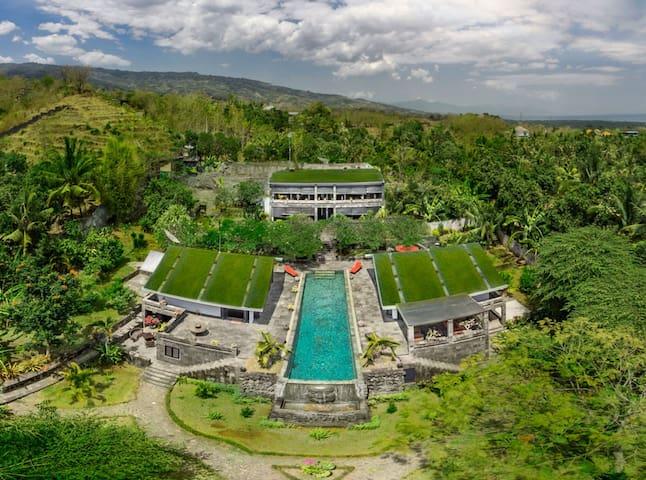 Le Mirage Villa Santai Lovina, luxury, private.