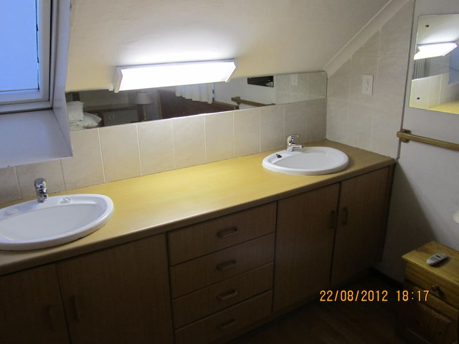 Basins in main bedroom with en suite bathroom