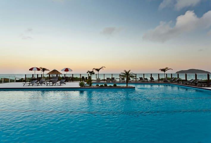 Resort na Praia do Santinho (Águas do Santinho)
