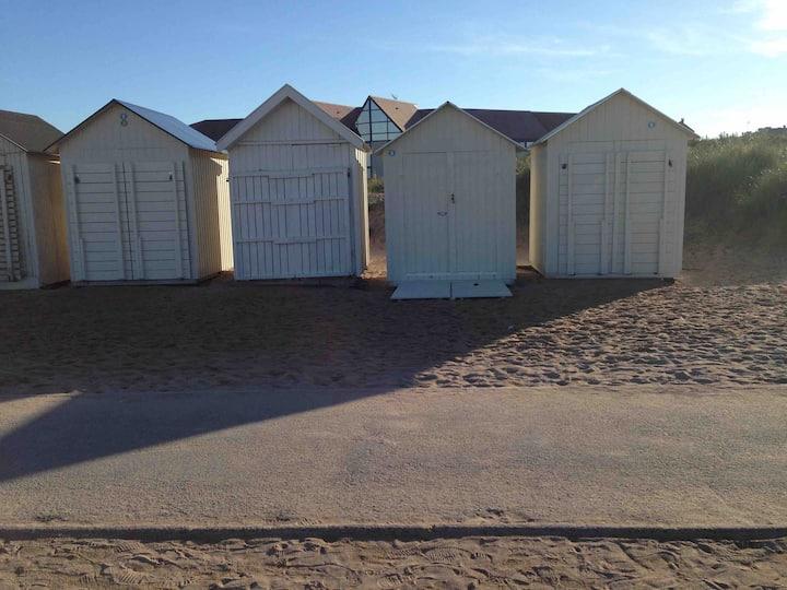 Chambre avec salle d'eau privée à  50 m de la mer