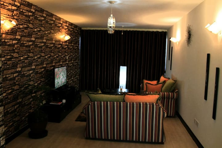 Secret Haven Inn - Nairobi - Pis