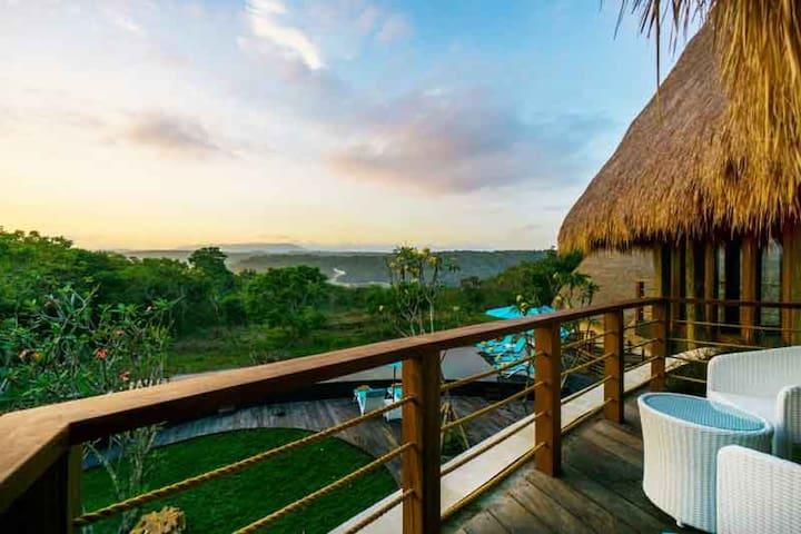 Luxury Tropical Escape - 4 Bedroom Villa