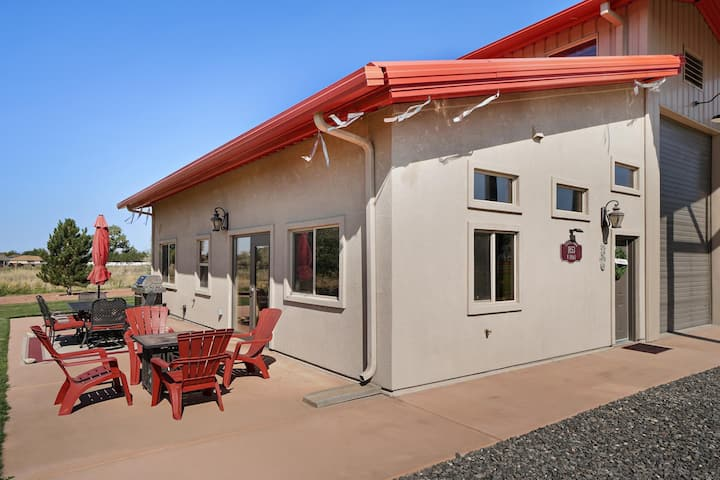 ♡Carriage House: Country Luxury with Views of Monument, Free Wifi & Pets Welcome