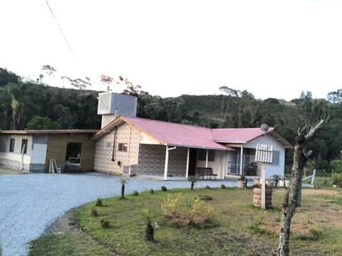 Linda casa de campo na Serra Catarinense