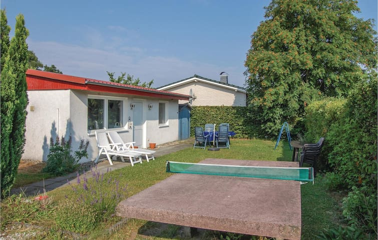 Holiday cottage with 2 bedrooms on 50 m² in Hohen Wieschendorf