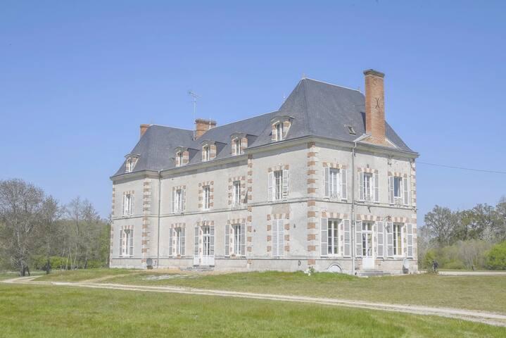 La Breteche-le château