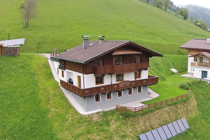 Cozy Apartment near Ski Area in Großarl