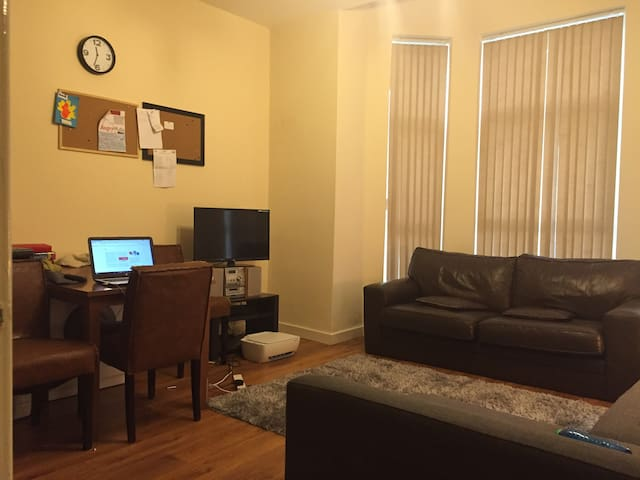 Place to rest your head, 20 minutes from city ctr - Manchester - Apartamento
