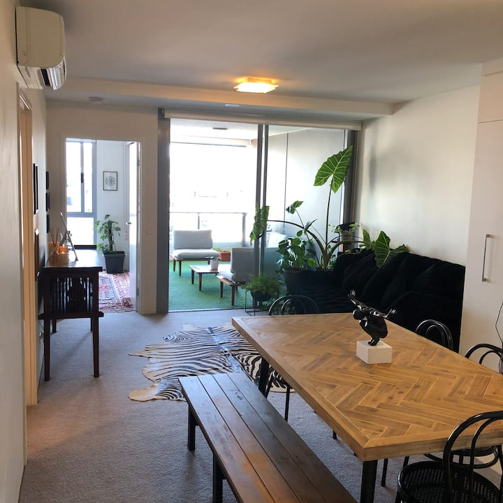 Stylish 1 bedroom apartment centrally located