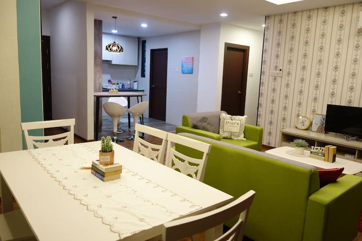 ★Vibrant and Spacious Home @Jazz Suites, Vivacity★