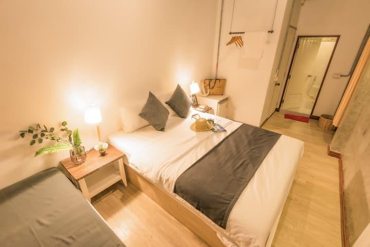 BuffaloThai Home  # Room3  Black&White Economy