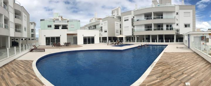 Luxurious Apartament 1 block from beach