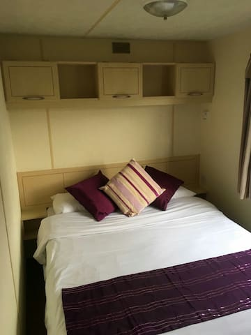Delightful Mobile Park Holiday Home - Clacton-on-Sea - Camper/RV